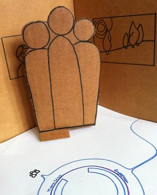 Sophie Severin +  ET Mathias Fricke u. Jens Kosmalla | Mobile Pico Projection  Das Semesterprojekt Pico.Pro betrachtet die Möglichkeit, Miniprojektionen als zusätzlich Interaktionsmedium zu nutzen. In diesem Konzept wird die klassische Ausstellung, durch Navigationsmöglichkeiten erweitert. Der Besucher wird durch ein RFID-Erfassungssystem so durch die Ausstellung geleitet, dass er überfüllte Räume oder von anderen Besuchern umstellte Bilder meidet. Es entstehen die Möglichkeiten, eine Führung individuell an die Bedürfnisse des Nutzers anzupassen und eine Navigation zu bieten, die die optimalen Bedingungen vor den jeweiligen Ausstellungsobjekten ermöglicht.
