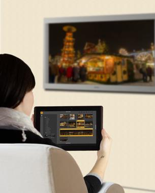 Stephan Fink | ReImagining  Standrechner verschwinden, Notebooks und Tablets dominieren allmählich die Haushalte, da mit ihnen ein ortsungebundenes Arbeiten möglich ist. Das couchwork FotoTool ist eine Tablet-Anwendung zur vollständigen Verwaltung von Bildern im eigenen Heimnetzwerk. Fotos können archiviert, katalogisiert und bearbeitet werden. Sowohl einfache Slideshows als auch komplexe Präsentationen sind möglich. In Verbindung mit einem Smart-TV wird die App zu einem mächtigen Tool, welches die Vorzüge von Multitouch und großem Display effektiv zu kombinieren weiß.