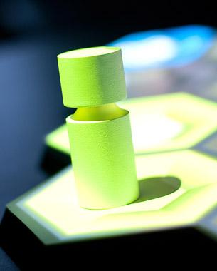 Robin Krause, Marcel Haase, Benjamin Hatscher | RFIDesign  Das DiTAG (Digital To Analog Gaming Board), ein RFID gestütztes Brettspielinterface, schließt die Lücke zwischen analogen und digitalen Spielwelten.   Intuitiv und ohne dickes Regelwerk ermöglicht es ein ungetrübtes sowie temporeiches Brettspielerlebnis. Es macht vom gemütlichen Rollenspielabend über strategische Tabletop-Schlachten bis hin zu ganz neuen Spielformaten alles möglich, was wir an klassischen Gesellschaftsspielen schätzen, und bleibt dabei so eingängig wie ein einfaches Casual-Game.