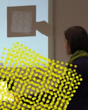 Katharina Herzog | Digital-Analog Surface  Moirés entstehen durch Überlagerung von ähnlichen Rastern, die zueinander verschoben oder rotiert sind. In der Fotografie und Drucktechnik ist dies eine Fehldarstellung und wird deshalb durch Anti-Aliasing Filter entfernt. Mit diesem Projekt möchte ich die besondere Ästhetik dieses Effektes in den Vordergrund stellen und die gestalterischen Qualitäten aufzeigen. Der Mustergenerator erstellt Moirés auf Grundlage von Linien- und Punktrastern, die anschließend ausgefräst werden. Im nächsten Schritt werden die Objekte durch Licht und Schatten in den Raum transformiert.